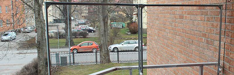 Ställning till balkongskydd